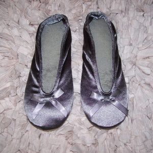 Isotoner Satin Ballet Slippers Lilac Satin Bow 6.5